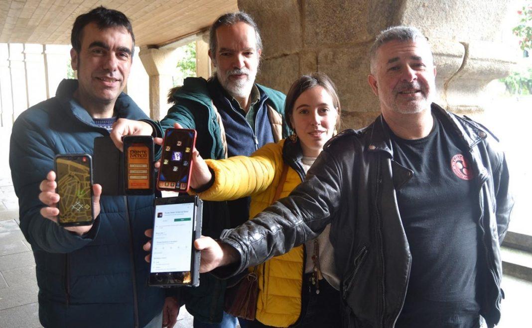 Xaquín Moreda, Antonio Pena, Ariadna Cordal e Luis Fernández amosan o xogo. Foto: Duvi.