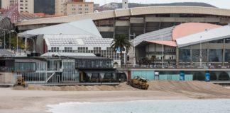 Praias como Riazor e Orzán son obxecto todos os anos de recheos para evitar a erosión causada pola dinámica do mar. Foto: Concello da Coruña.