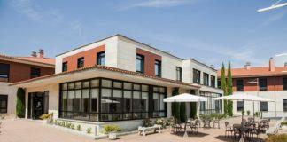 Residencia de DomusVi Cangas, unha das afectadas polos contaxios masivos entre usuarios e traballadores.