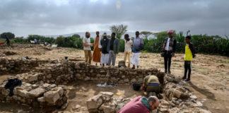 Visita ás escavacións en Somalilandia durante o traballo dos investigadores do Incipit-CSIC. Fotos: Álvaro Minguito.