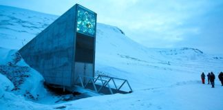 Entrada ao Banco Mundial de Sementes do Ártico, nas illas Svalbard.