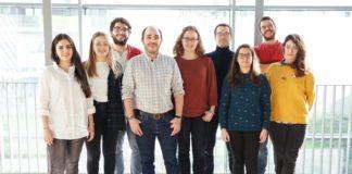 Equipo do CiMUS de Santiago responsable da investigación sobre reprogramación celular. Foto: CiMUS.