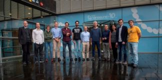 Grupo de autores do achado sobre o magnetismo do grafeno. Diego Peña é o 4º pola esquerda. Foto: CiQUS.