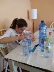 As distintas mostras de auga traídas de varios puntos de Galicia.