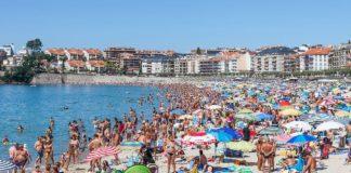 Praia de Silgar, en Sanxenxo, un dos principais núcleos de turismo de Galicia. Foto: Luis Miguel Bugallo Sánchez/Wikicommons.