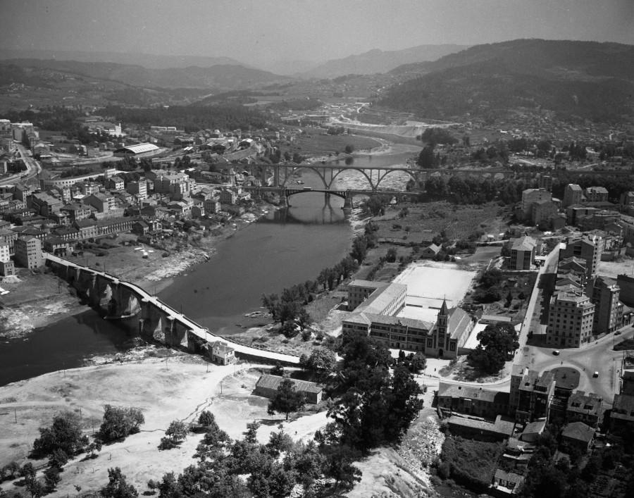 Ponte sobre o río Miño.