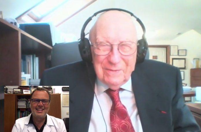 Stanley Plotkin participou no encontro moderado por Federico Martinón, médico e investigador do hospital do CHUS.