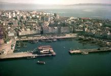 Cidade da Coruña, co Porto en primeiro termo, no ano 1965.