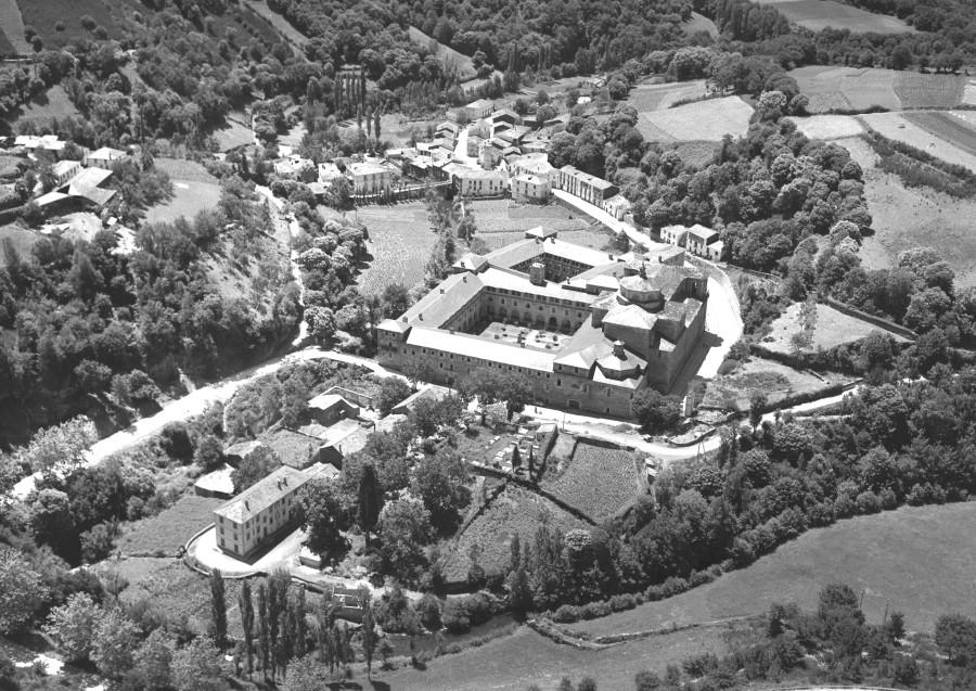 Mosteiro e núcleo de Samos.