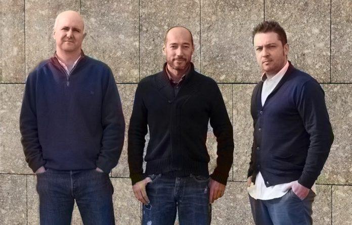 De esquerda a dereita, José Luis Alba, Manuel Ubeira e Elisardo González, impulsores de Releyeble