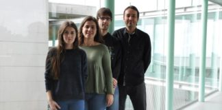 Silvia García, Milagros Fernández, Jonathan Juncal e Enrique Costa foron os encargados de desenvolver esta app. Foto: Duvi.