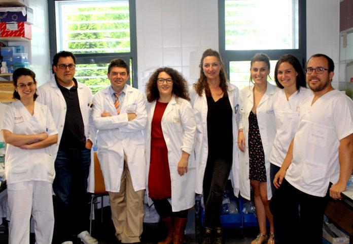 Parte do equipo do Inibic que realizou a investigación publicada en PNAS, con Astrid Pérez (de fronte, cuarta pola esquerda).