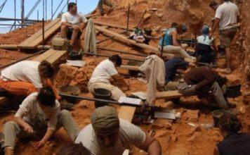 Traballos en Atapuerca. Foto: USC.