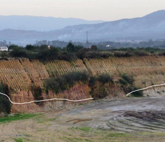 Espesa sucesión de depósitos (máis de 15 metros de espesor) nunha das terrazas fluviais do río Miño (Salvaterra de Miño). Foto: Eduardo Méndez.