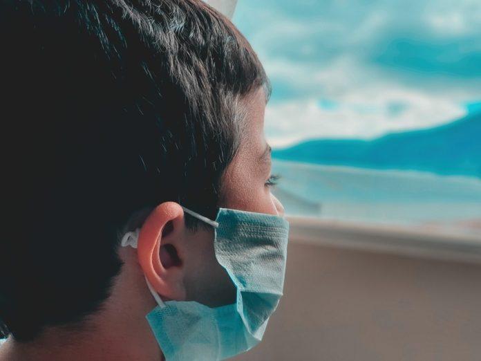 O uso de máscara está a ser obrigatorio en case todas as situacións no espazo público.