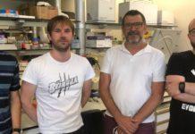 David Polo (1º pola esquerda) e Jesús López Romalde (3º) participan na investigación. Foto: USC.