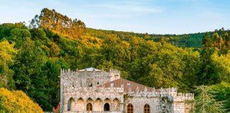 O Castelo de Soutomaior conta con 25 hectáreas de xardín de gran valor histórico e natural.