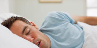 As roncopatías son habituais, sobre todo en homes maiores de 50 anos.