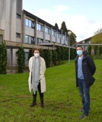 Rosa Romero e Manel Vera, investigadores do proxecto sobre a árnica. Foto: USC.