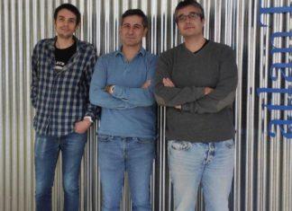 Mateo Ramos Merino, Juan Manuel Santos Gago e Luis Álvarez Sabucedo, investigadores de atlanTTIc. Foto: Duvi.