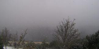 Folerpas de neve preto do albergue dos Ancares, en Cervantes, este mediodía. Imaxe: MeteoGalicia.