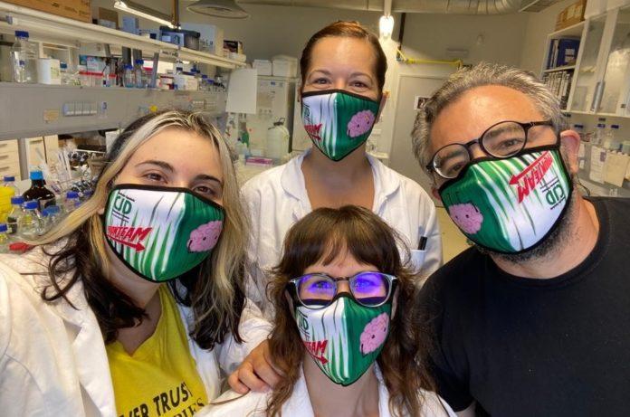 Membros do grupo Prion Lab, dirixido por Jesús Requena (á dereita). Foto: CiMUS.