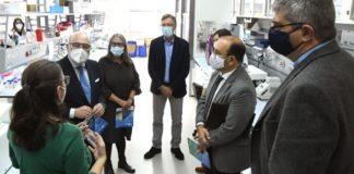 Visita de Javier Losada, delegado do Goberno, ao CiQUS de Santiago, acompañado de representantes do centro e a USC. Foto: Santi Alvite.