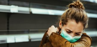 Os períodos nos que hai posibilidade de transmitir o SARS-CoV-2 é un dos puntos principais de atención para conter a pandemia. Foto: Pixabay.