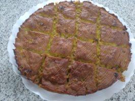 Empanada de millo e berberechos.