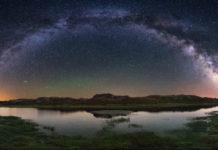 Vía Láctea desde a lagoa das Tablillas, no Macizo de Trevinca. Foto: Óscar Blanco/Turismo de Galicia.