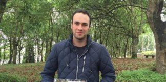 """O autor da tese, Stéfano Arellano, xa publicou en 2017 a """"Foto-Guía de combustibles forestais de Galicia e comportamento do lume asociado"""". Foto: USC."""