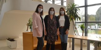 Iria da Cuña, Mercedes Soto e Eva Lantarón, investigadoras da Facultade de Fisioterapia do Campus de Pontevedra. Foto: Duvi.
