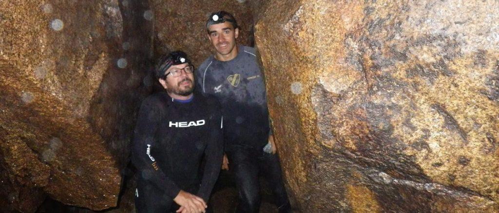 Adolfo Cordero e Adrián Moreira realizaron 18 visitas ás covas do Folón. Foto: Duvi.