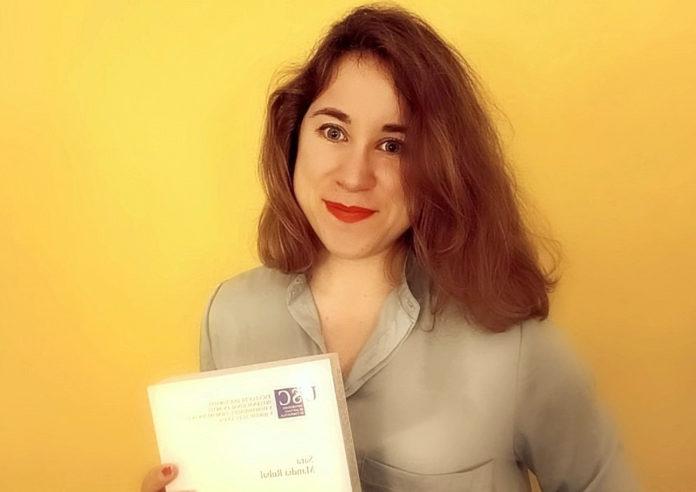Sara Mandiá Rubal, coa súa tese.