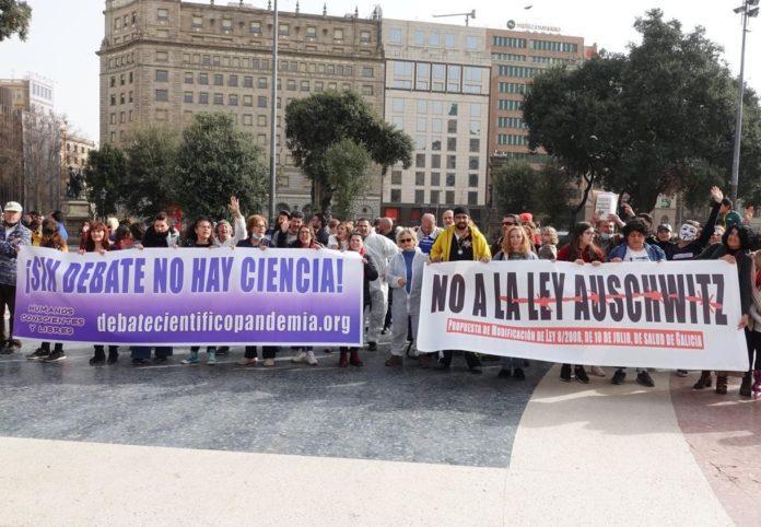Manifestación en Barcelona contra a reforma da Lei de Saúde Pública de Galicia, bautizada por algúns colectivos como