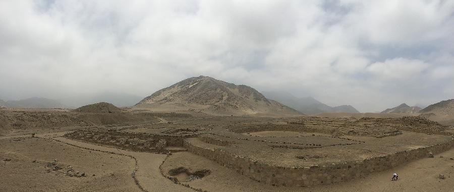 Panorámica da cidade de Caral, no val do Supe, no Perú. Foto: Paulo JC Nogueira/CC BY-SA 3.0.