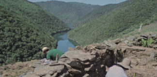 Imaxes das escavacións dos socalcos en Vilachá de Salvadur. Foto: Adegas da Memoria.