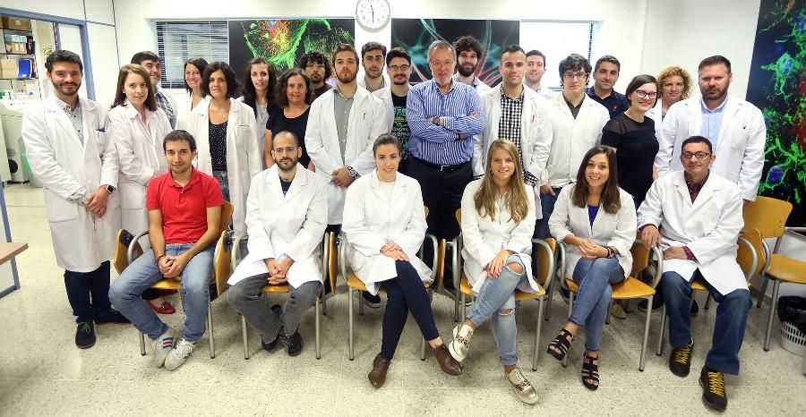 Foto de arquivo do  equipo do Laboratorio de Investigación en Neurociencias Clínicas (LINC) do IDIS.