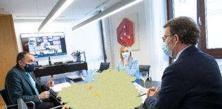 Unha das últimas reunións do comité clínico, coa presenza do presidente da Xunta e os conselleiros de Sanidade e Política Social. Foto: Xunta de Galicia/Elaboración propia.