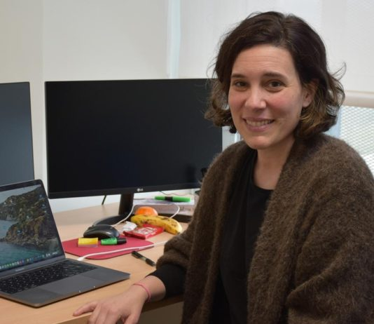 María Gómez desenvolverá un estudo sobre a biodiversidade microbiana no solo dos campos de cultivo do millo forraxeiro. Foto: Duvi.