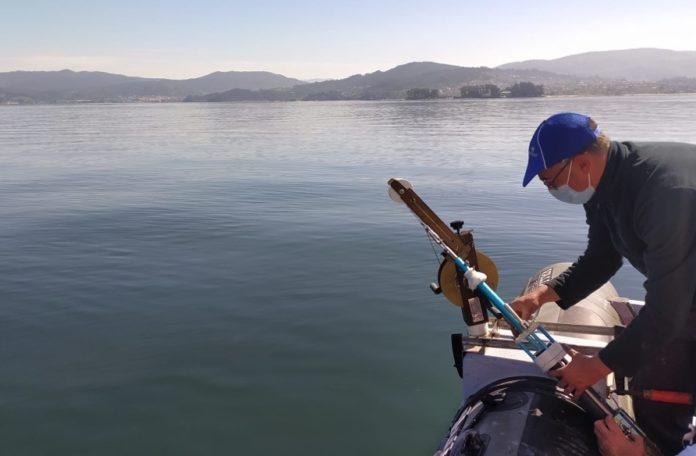 Campaña de mostraxe do proxecto ANTROPIMAR na ría de Vigo. Foto: Miguel Otero/IEO.