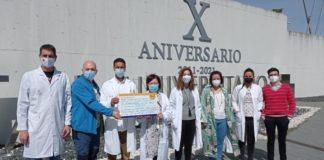 Entrega da doazón aos científicos que desenvolverán os estudos sobre o glioblastoma. Foto: USC.