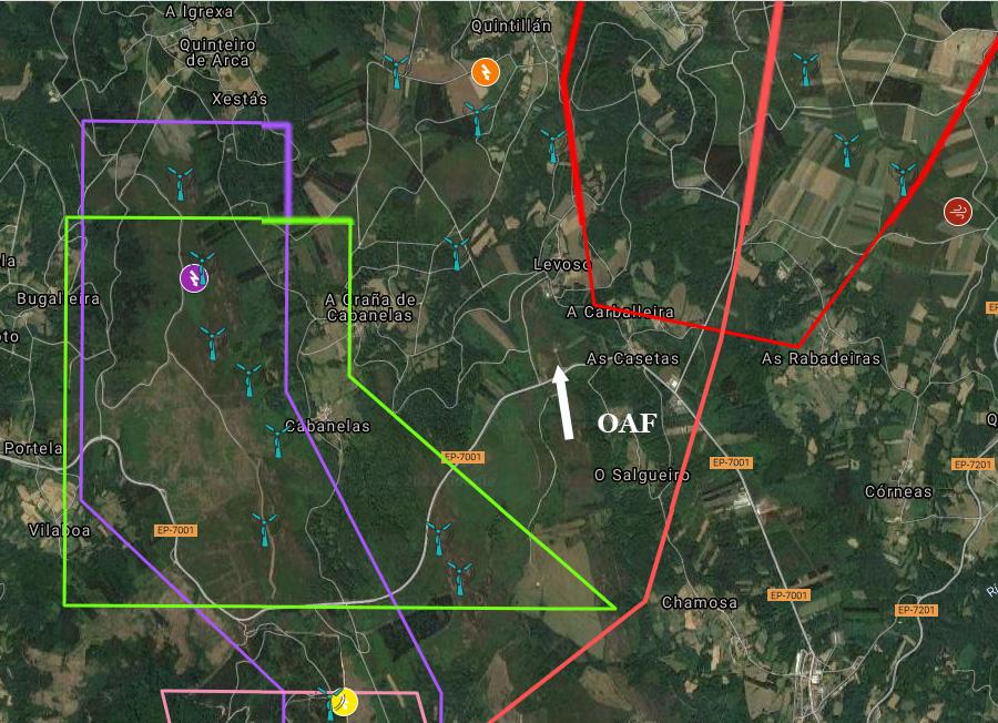 Proxectos eólicos na contorna no observatorio de Forcarei (sinalado cunha frecha no centro). Fonte: AstroVigo.