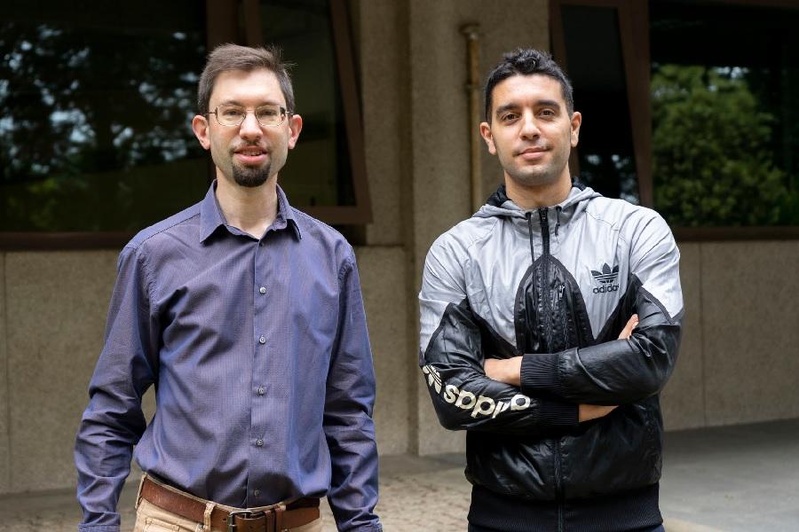 Thomas Dent e Juan Calderón, investigadores do Instituto Galego de Física de Altas Enerxías. Foto: IGFAE.