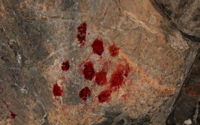 Detalle dunha das pinturas rupestres no xacemento de Penedo Gordo. Foto: Duvi.
