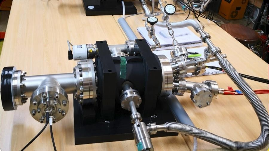 Mini ND-GAr, prototipo construido no IGFAE do detector ND-GAr que se instalará en DUNE. Foto: IGFAE.