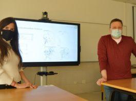Os profesores Julia Armesto e Juan Picos participan no proxecto desde a Escola de Enxeñaría Forestal de Pontevedra. Foto: Duvi.