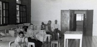 A exposición recolle documentación de institucións como o Hospital Provincial ou o do Rebullón. Na imaxe, sala hospitalaria na década dos anos 50 do século XX. Foto: Arquivo da Deputación de Pontevedra.