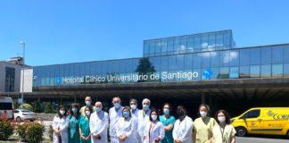 Equipo do CHUS que realizou a implantación do corazón mecánico. Foto: Sergas.