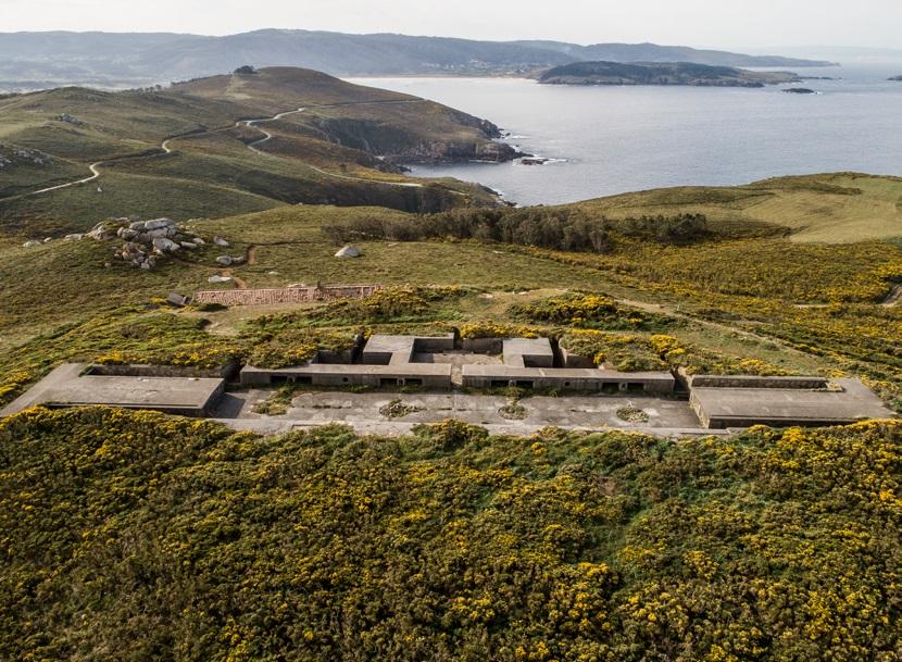 Baterías antiaéreas de cabo Prior, que formaban parte do sistema de protección da ría de Ferrol. Foto: Observer.